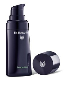 Bild på Dr Hauschka Foundation 03 Chestnut 30 ml